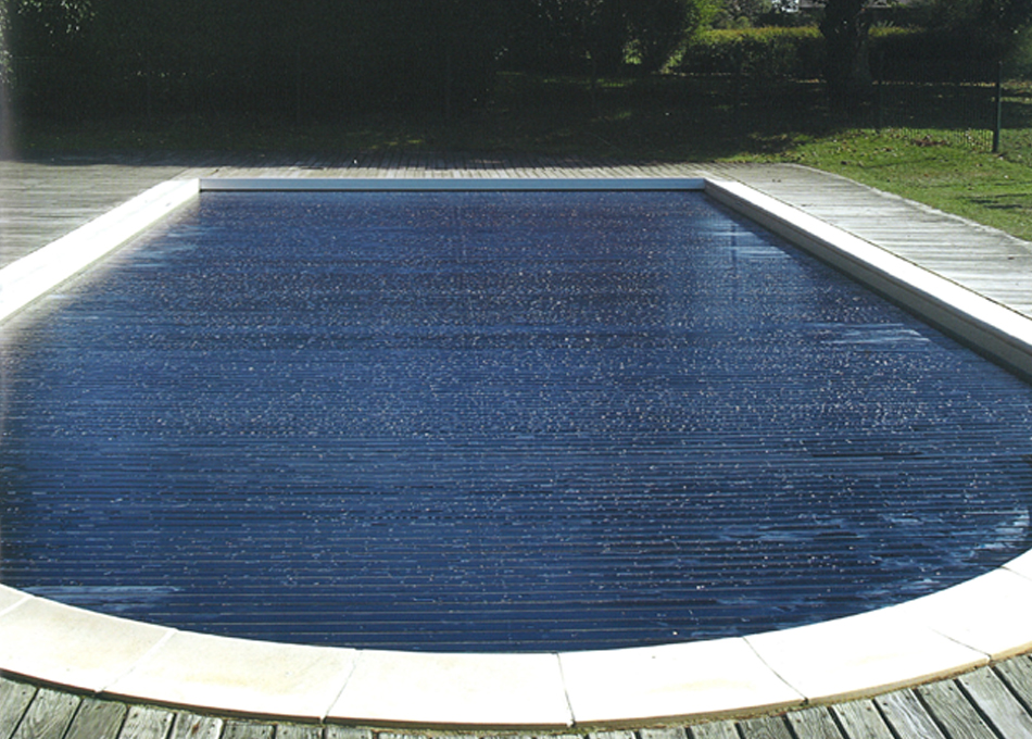 Protecció submergida per piscina